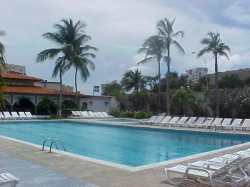 Hotel puerta del sol porlamar hoteles y posadas en for Hoteles puerta del sol baratos