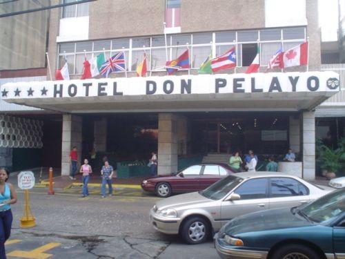 hoteles en calle pelayo: