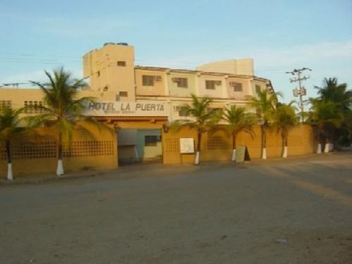 Hotel la puerta hoteles y posadas en chichiriviche falc n for Hoteles en la puerta