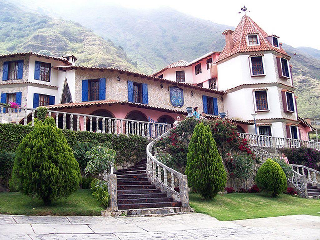 Hotel castillo san isidro hoteles y posadas en la puerta for Hoteles en la puerta